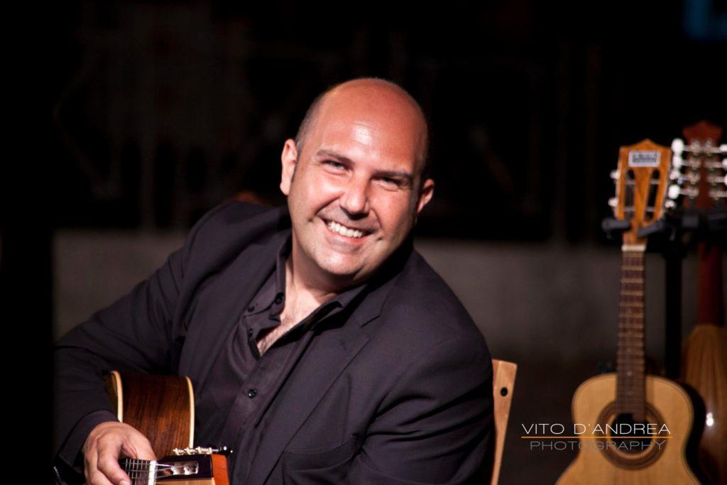Luca fabrizio Chitarrista Classico in Italia mandolino mandola cuatro charango cavaquinho