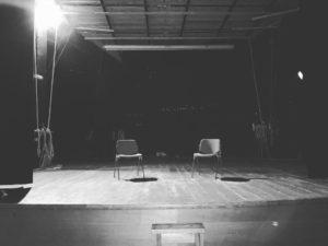 teatro anzani di satriano di lucania durante le riprese del videoclip albero solitario, brano composto da angelo gilardino per il duo cordaminazioni